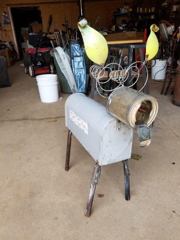 #5 mailbox dog $45