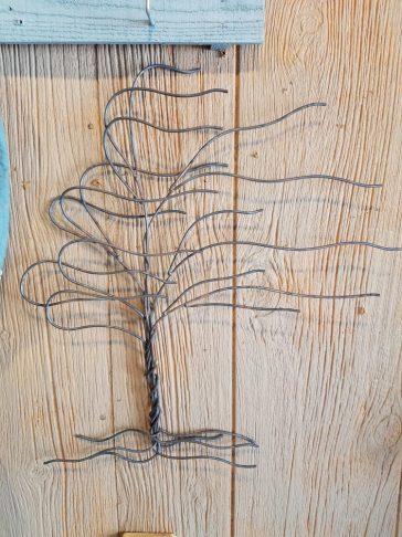 large whispy tree
