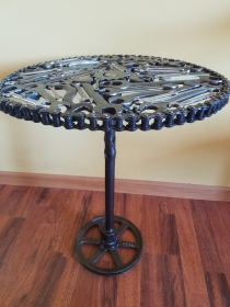 #82 short wrench table $250