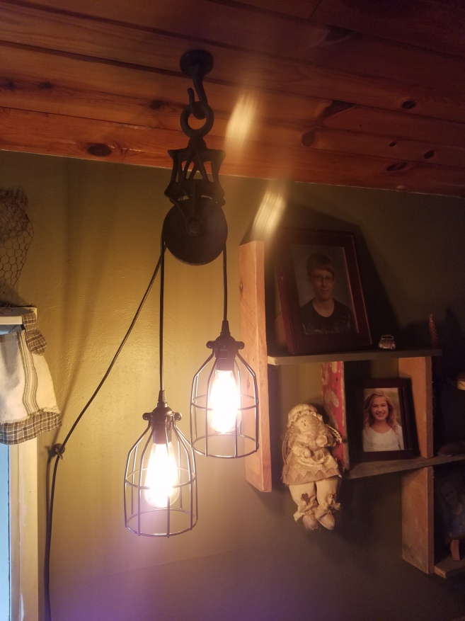 #104 barn pulley double light $150